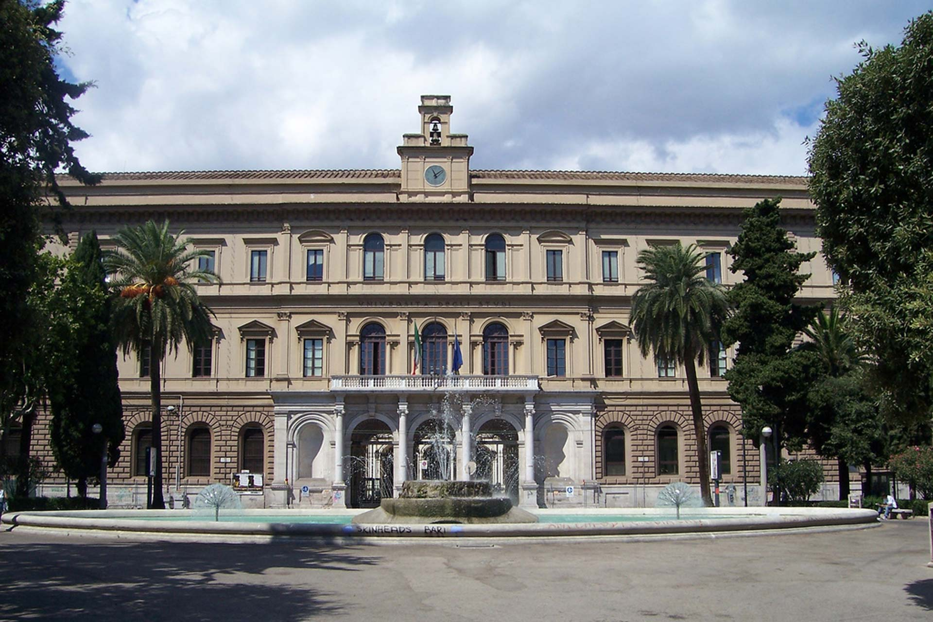 جامعة باري